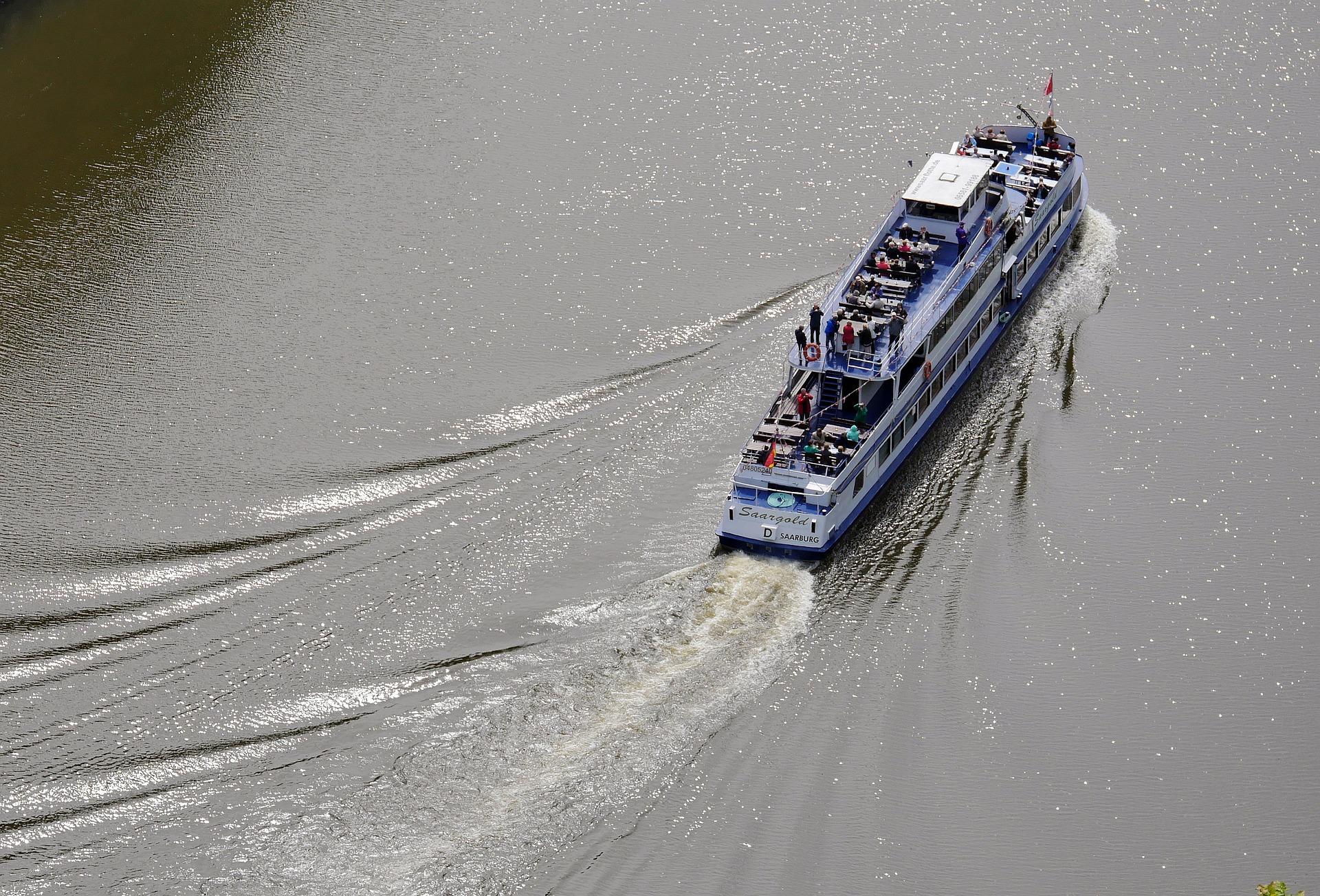 中禅寺湖の遊覧船の所用時間
