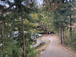 虹見の滝入り口